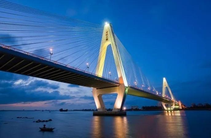 世紀大橋實景圖